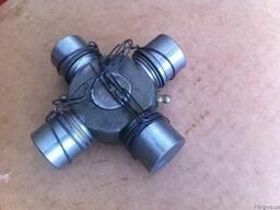 Крестовина кардана UN053