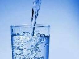 Кристально чистая питьевая вода со скважины глубиной 100м