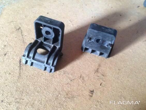 Кронштейн крепление радиатора Opel Insignia 13239137 1310722