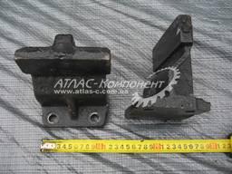 Кронштейн средней опоры двигателя правый КрАЗ