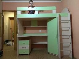 Кровать-чердак с рабочей зоной и угловым шкафом (к11). . .