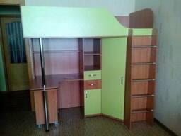 Кровать-чердак с выдвижным столом и угловым шкафом (к1-3)