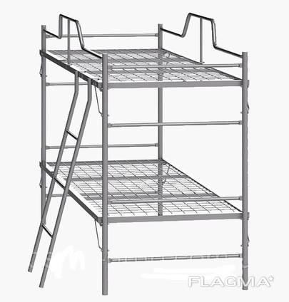 Кровать металлическая двуярусная с лестницей