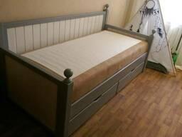 Кровать натуральный дуб.