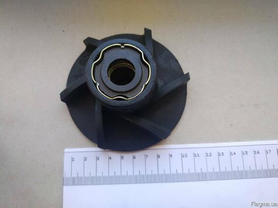 Крыльчатка водяного насоса ЮМЗ Д-65 в сборе с уплотнением