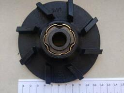 Крыльчатка водяного насоса ЗИЛ-130 в сборе с уплотнением 130