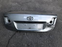 Крышка багажника Toyota Avensis 3 поколение