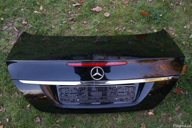 Крышка багажника комплектная Mercedes E W211 2002-2009