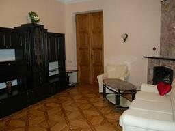 Купи 4-х комнатную квартиру в ценре на Еврейской