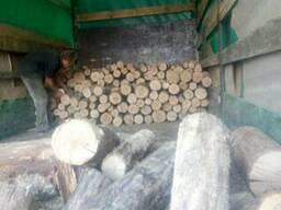 Купить дрова кругляк метровки, чурки дуб, акация, ясень Киев