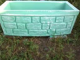 Купить кашпо уличное бетонное большого размера для дачи.