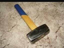 Куплю ломы лопаты цапки молотки кувалды большие
