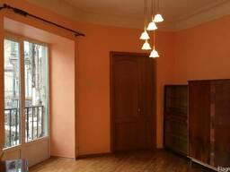 Квартира в самом центре Днепра под офис. 70 кв. м.