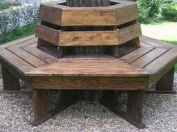 Лавка деревянная. Скамейка вокруг дерева