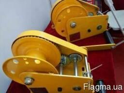 Лебедка ручная барабанная 1150 кг с тросом