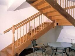 Лестница из дерева для интерьера ресторана№4 Под заказ