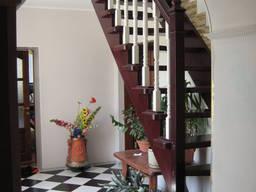 Лестница из ясеня в дом