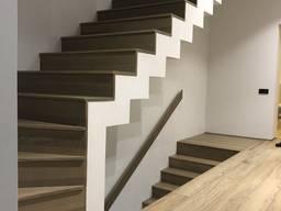 Лестница в дом из ясеня