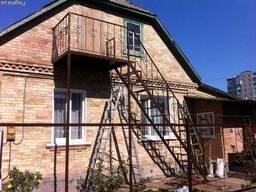 Лестницы, перила, ограждения, решётки на окна
