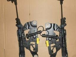 Левая и правая петли капота с телескопами для BMW M5 F12 F13