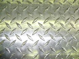 Лист рифленый чечевица ромб по ГОСТ 8568-77 от 1мм до 16мм , в наличии толщина 0. 5 0. 55 0.