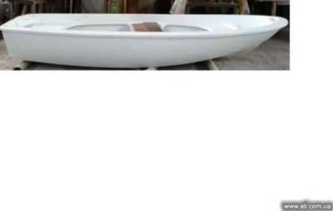 Лодка стеклопластиковая
