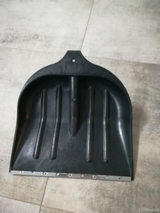 Лопата для снігу пластмасова 395х395
