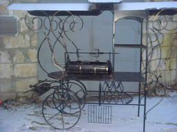 Мангал на колесах кованый