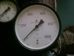 Манометры для жидкостей-газов на 25; 100;кг/см