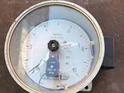 Манометры электроконтактные ДМ2010Сг 0-10 кгf/cm2