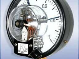 Манометры с электроконтактной приставкой ДМ Сг 05
