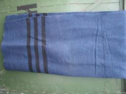 Матрасы, одеяло, простынь армейское.
