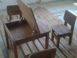 Мебель деревянная для детской комнаты, парта, стол, стулья - фото 2