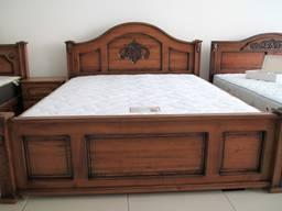 Меблі з ясена: ліжко, комод, вітрина