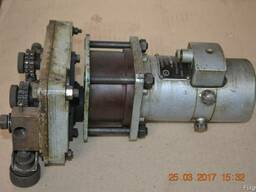 Механизм для протяжки сварочной проволоки с двиг. ДПУ
