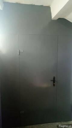 Металлическая перегородка с дверью