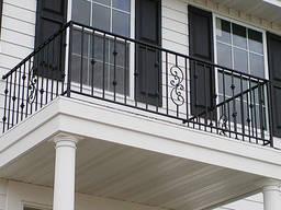 Металлические лестничные и балконные ограждения.