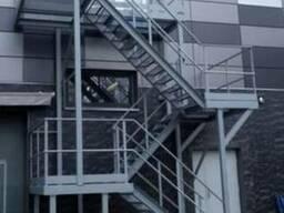 Металлические лестницы. Пожарные лестницы. Крыльца.