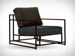 Металлическое кресло для отдыха в квартире