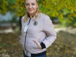 Модная женская куртка-бомбер , р. (44-46) светлый. ..