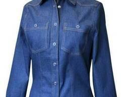 Женская блузка джинсовая с длинным рукавом.