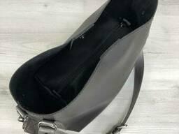 Молодежная женская сумка Леора черного цвета - фото 3