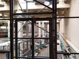 Монтаж грузовых Установок подъёмников лифтов