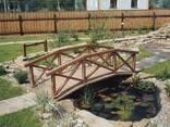 Садовый мостик из дерева - фото 4