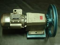 Мотор-редуктор К 527 31,5 об/мин, 0,55 кВт (с звездочкой и ш