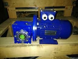 Мотор-редуктор NMRV 050 40 -71B5 с эл.дв. АИР 63В4