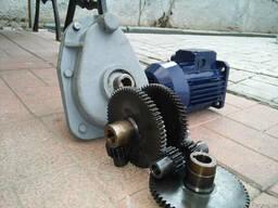 Мотор-редукторы РВЦ 80, КР 676. Шестерни, колеса зубчатые.