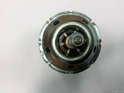 Мотор вентилятора 27225-8H310 на Nissan X-Trail T30 02-07 (Н