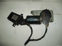 Моторчик стеклоочистителя Lancia THEMA кат ном 0390246328.