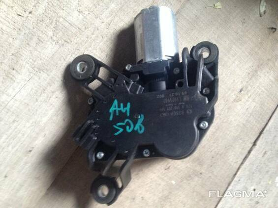 Моторчик стеклоочистителя Opel Astra H 13105981
